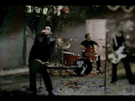 Green Day- Boulevard of Broken Dreams ( Official Music